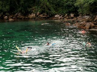 Flutuando na Lagoa Verde