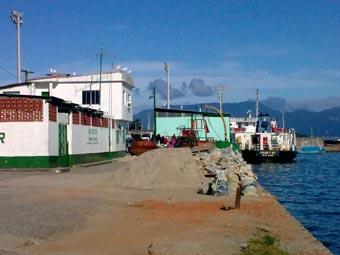 Cais da Lapa - Passageiros e carga para Abraão.