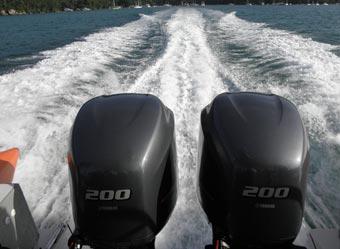 Barco rápido para Ilha Grande.