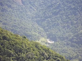 Vista do Pico de Dois Rios para a cachoeira de Dois Rios
