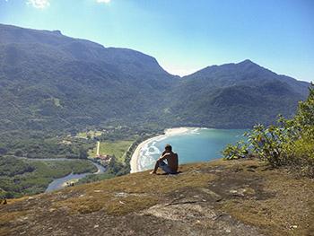 Momento de contemplação e tranquilidade no Pico de Dois Rios