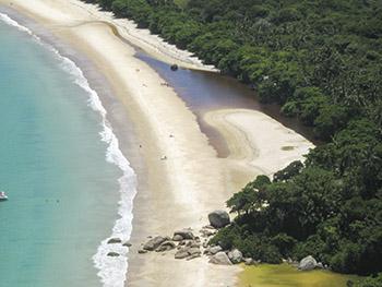 Pequeno riacho visto do Mirante de Lopes Mendes