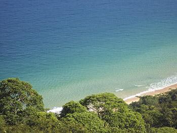 Paraíso rico em águas cristalinas