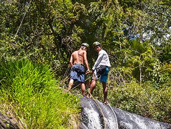 Rapel na Cachoeira da Feiticeira - Ilha Grande - Angra dos Reis