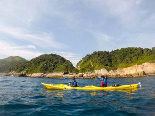 Paseos en kayak alrededor de Ilha Grande