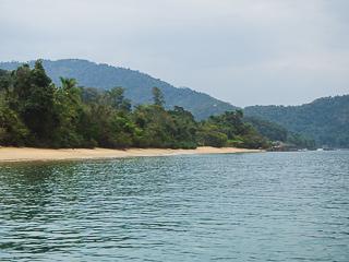 Depois da Praia do Perequê a próx. é a Praia De Fora
